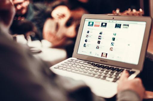 E-RA DIGITALE: consulenza per navigare su Internet in sicurezza